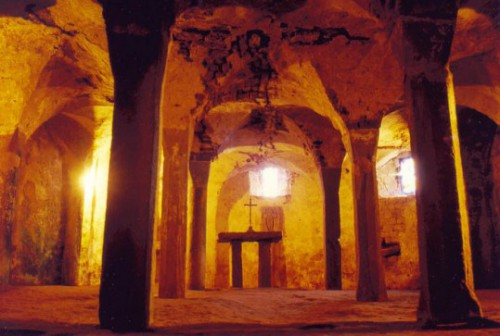 crypte abbaye saint-maur bleurville.jpg